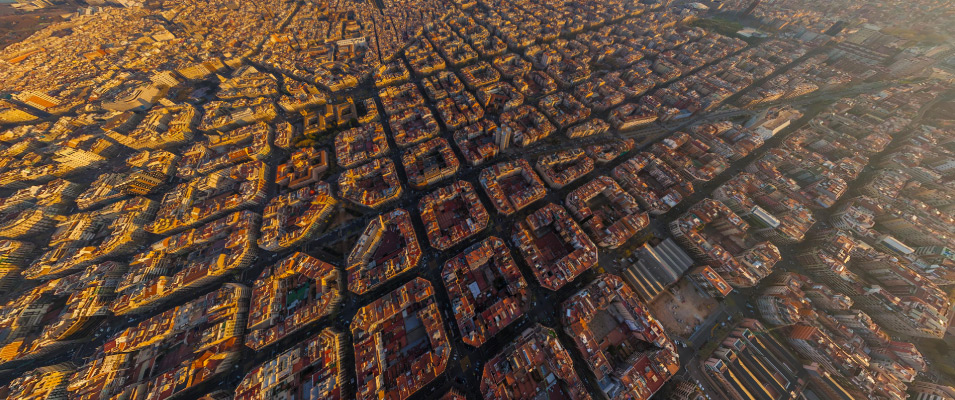 Barcelona's Eixample Esquerre area - Tourist Information and Guide