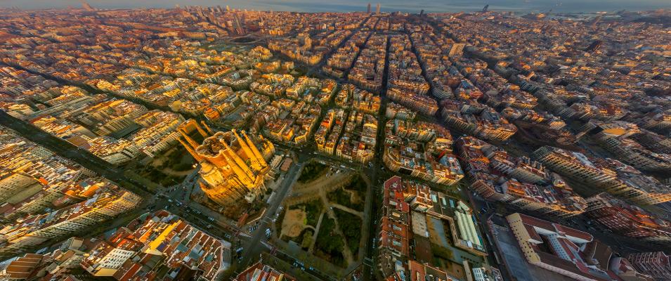Откройте для себя район Саграда Фамилия в Барселоне.