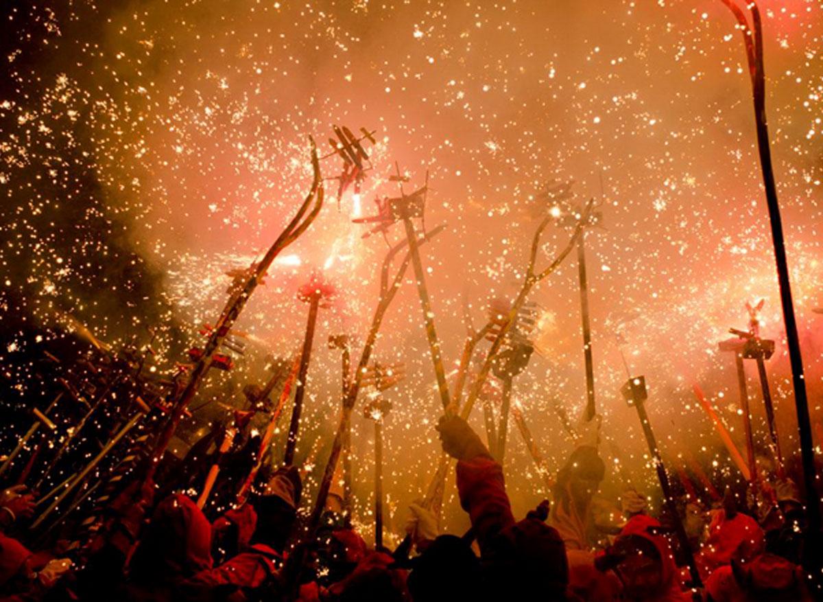 Correfoc Poble Sec Fiesta Moyor