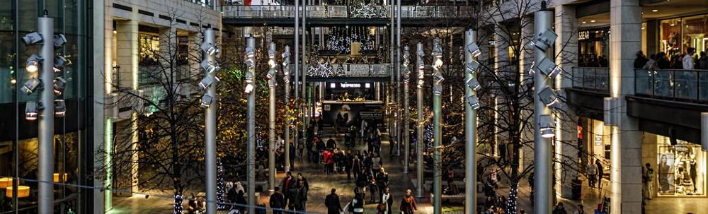 D couvrez le quartier sant andreu de barcelone - Centre comercial la maquinista ...