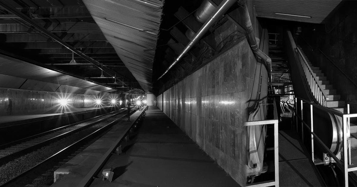 Resultado de imagen para estaciones llamadas fantasma en barcelona