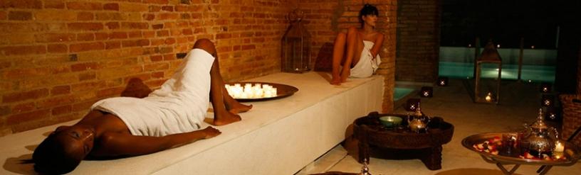 Mujeres relajándose en el spa Aire de Barcelona