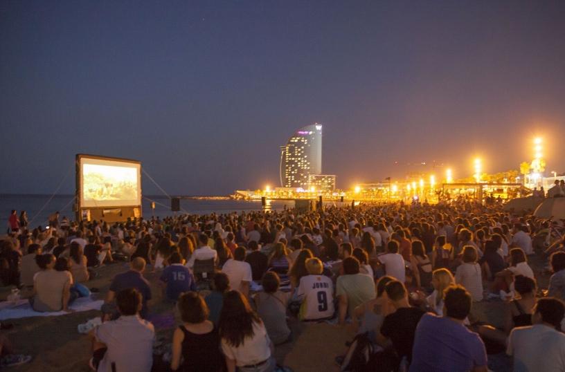 Cine al aire libre playa San Sebastián