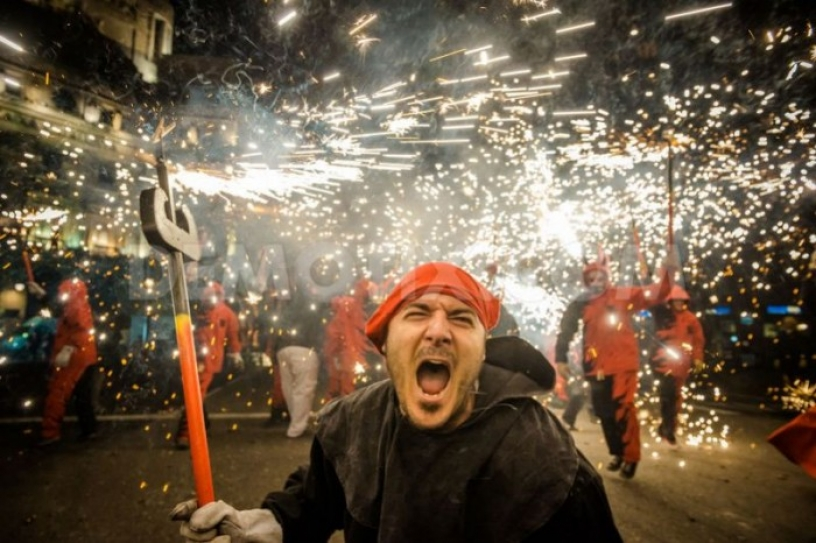 Fire from the Diables at a Correfoc