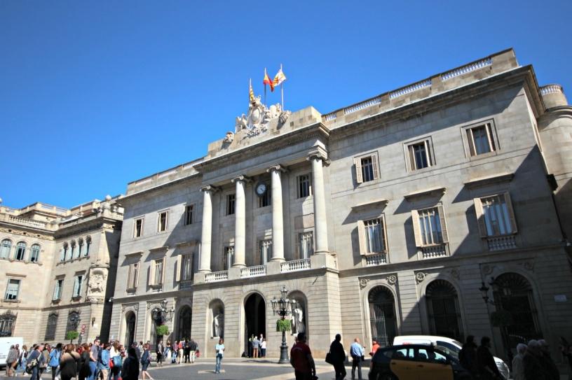 Площадь Sant Jaume, городской совет Барселоны