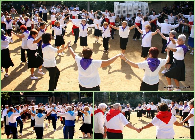Un baile con mucha gente