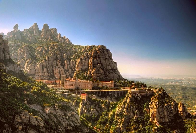 Une vue imprenable sur Montserrat