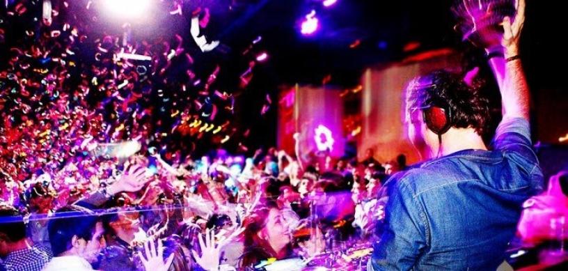 discoteche bar barcellona locali nightclub vita notturna divertimento