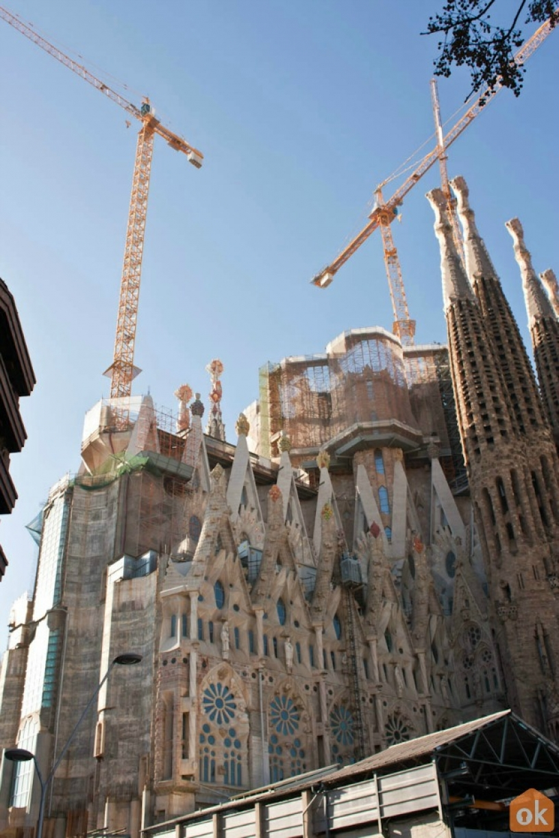 Discover the sagrada familia in barcelona and its for Barcelona famila