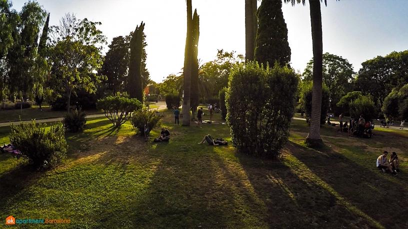 shadows in park de la ciutadella