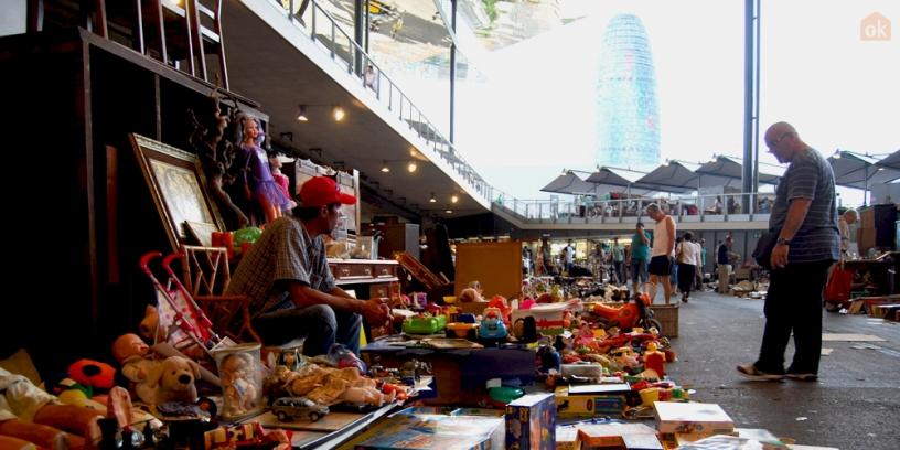 Один из 500 киосков на рынке Энкантс в Барселоне