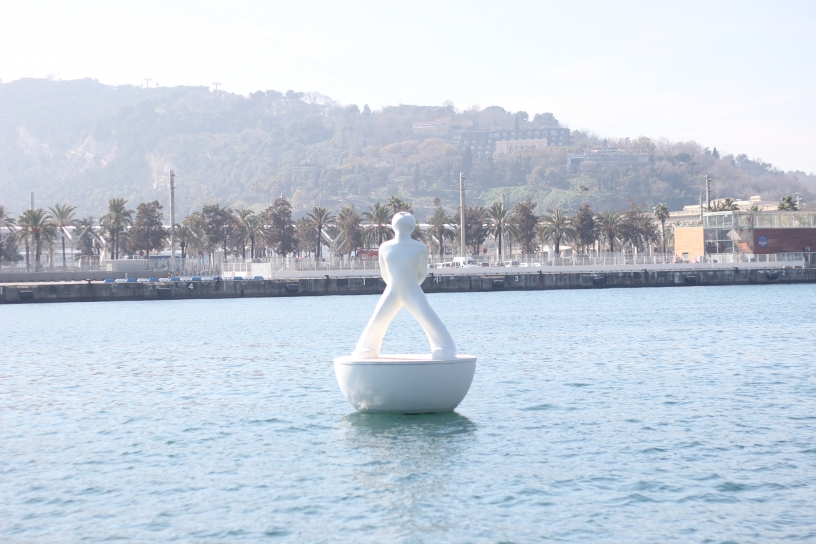 Statue in the water Barcelona