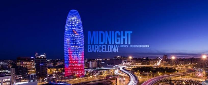 Poster de Midnight Barcelona con la torre Agbar iluminada