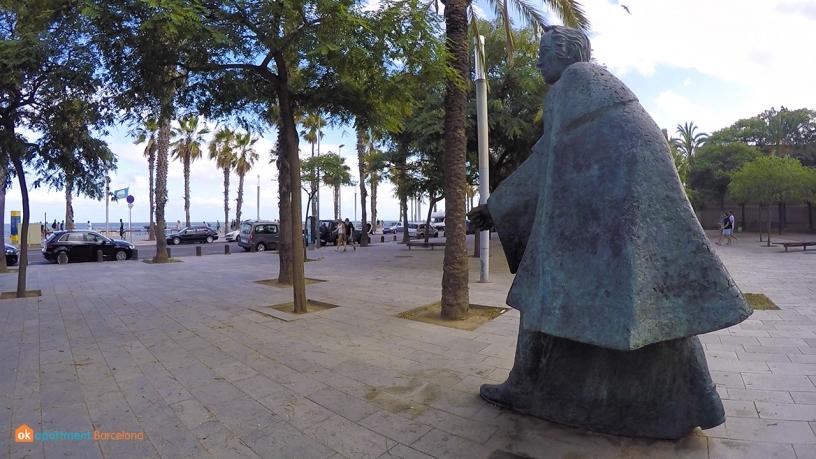 statue barceloneta