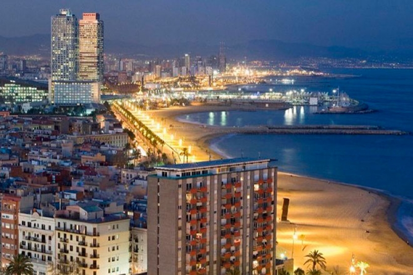 The beaches of Barceloneta at night