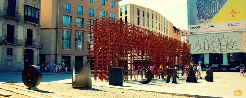 Identità Barcellona scultura