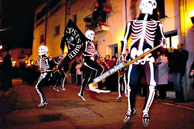 The Dance of the Dead, Verges