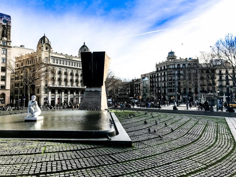 Fountain Plaza Catalunya