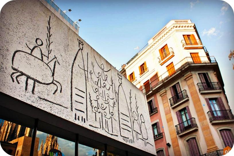 Fresco en Plaza Nova de Barcelona