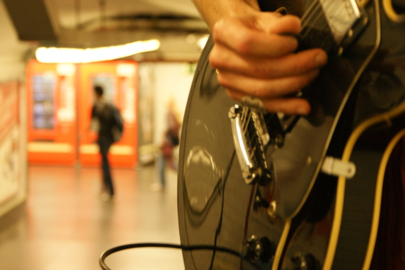 guitarra metro