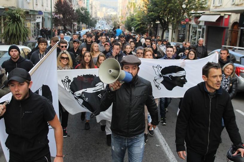 Manifestación en Córcega