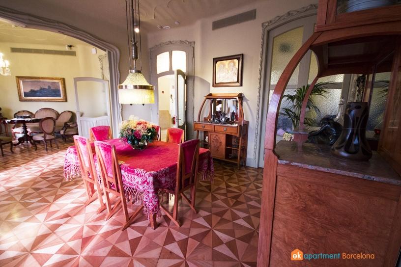Comedor de la Casa Milá o La Pedrera de Gaudí en Barcelona