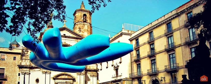 Escultura democracia en Barcelona
