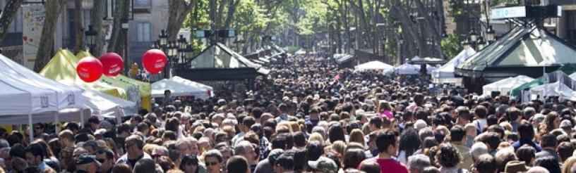 Barcelona ist ein schmelzender Punkt mit Menschen