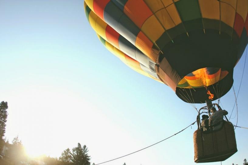 Flug in einem Heißluftballon