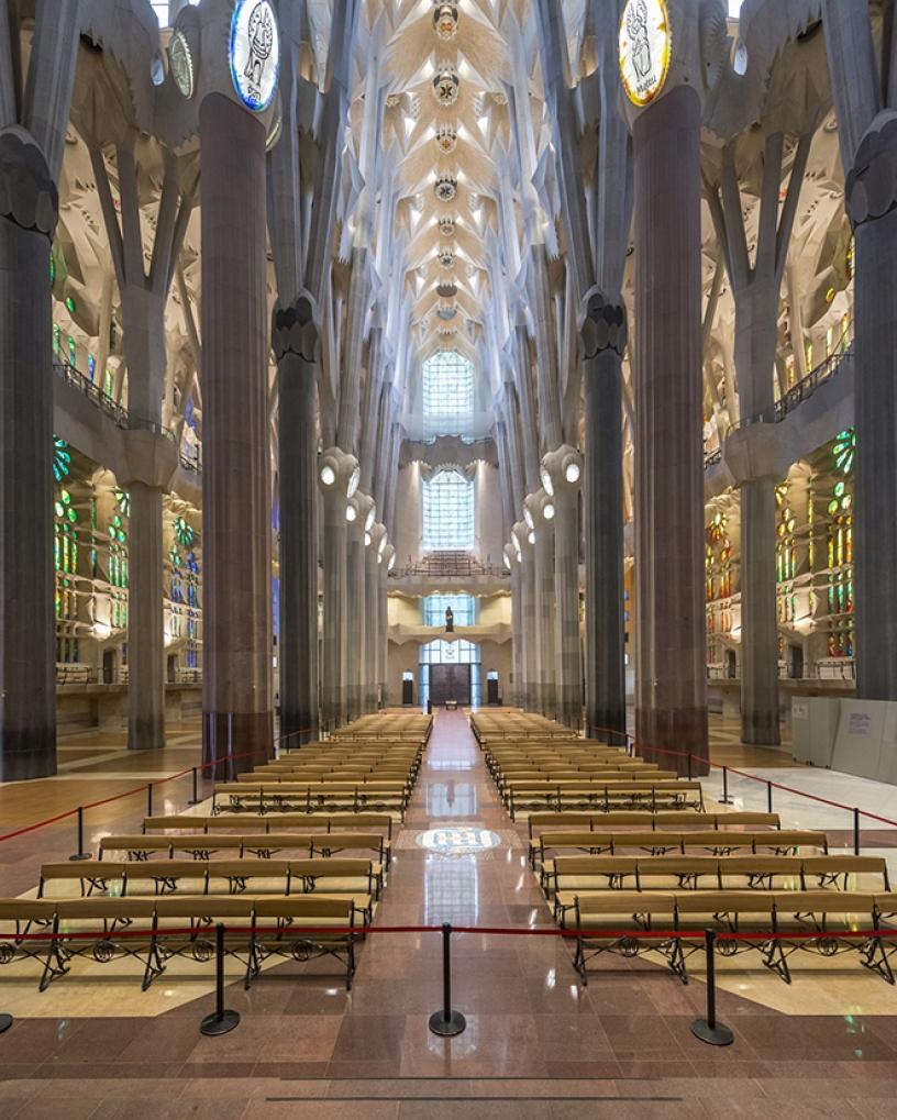 Interior de la Sagrada Familia: la nave principal