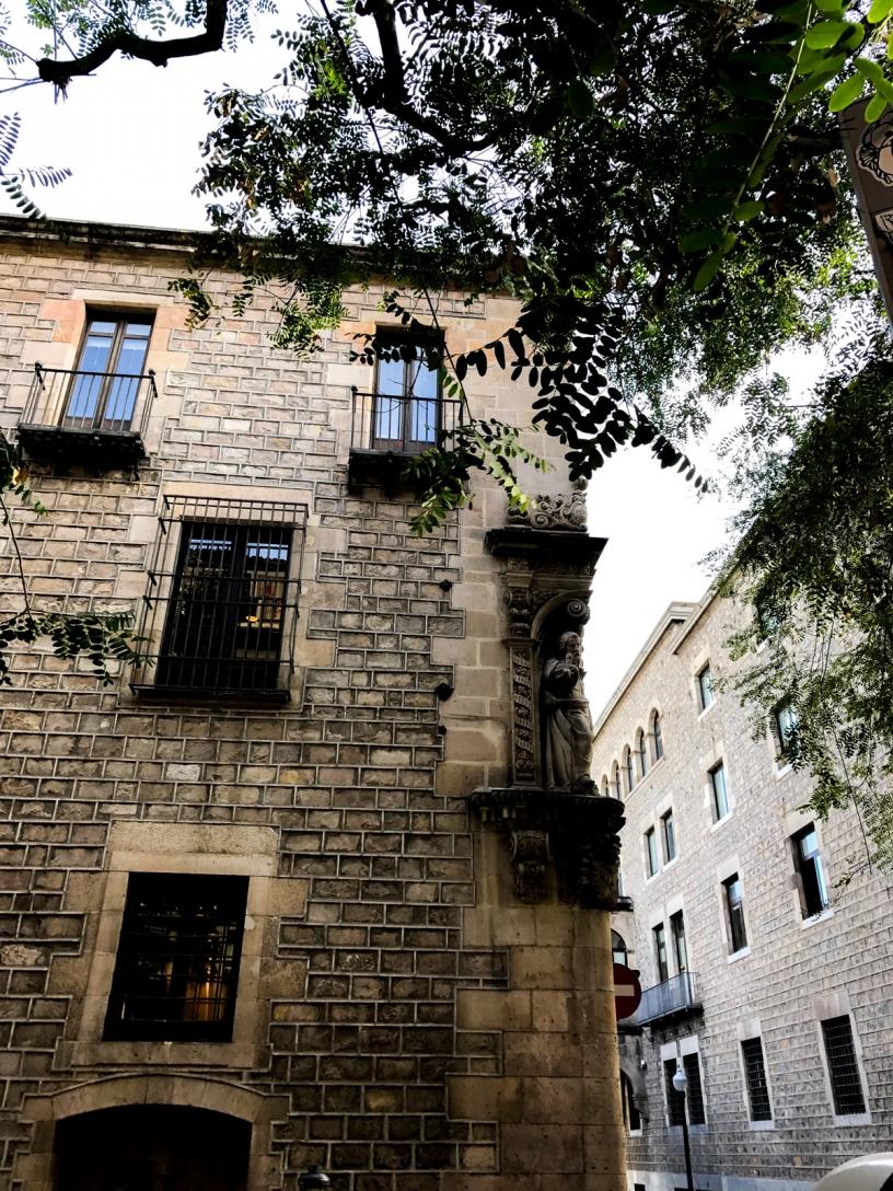 Old Façade Raval