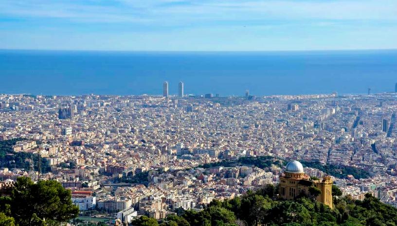 Tibidabo sur Barcelone et sa plage