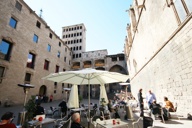 Terrace on the Square Plaça del Rei