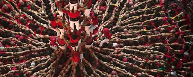 Mucha gente en la torre