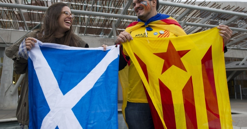 Catalan and Scottish flags side by side