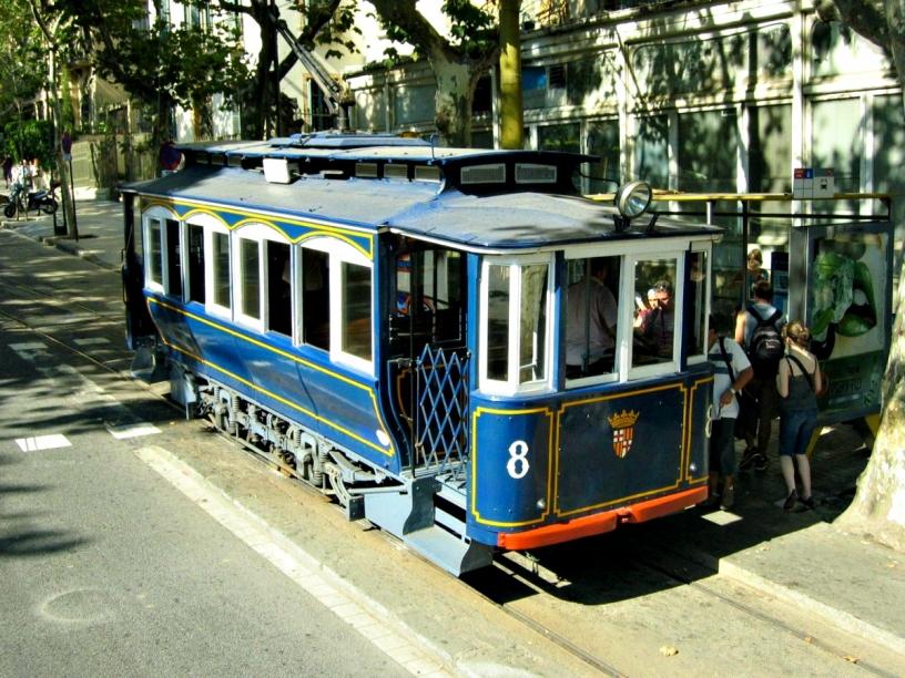 Голубой трамвайчик Барселона