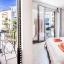 Habitació amb balcó de peu