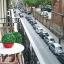 Pohled z balkónu nad trh