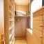 Stor garderobe og storage området