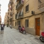 Höghus och gata