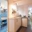 Banheiro e cozinha corredor