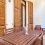 Stor møblert balkong