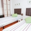 Dormitorio con dos camas amplias