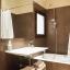 Segunda casa de banho com banheira