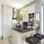 Küche mit Frühstücksbar