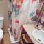Salle de bain avec douche