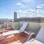 Sonnenbaden Stühle auf der Terrasse