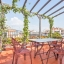 Terrasse mit Pflanzen-Markisen