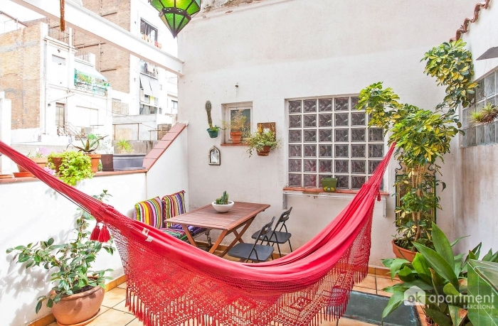 Cosy terrace with hammock