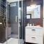 Druhá kúpeľňa so sprchovacím kútom